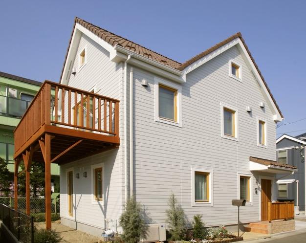 ウェルダンノーブルハウス 木製バルコニー2
