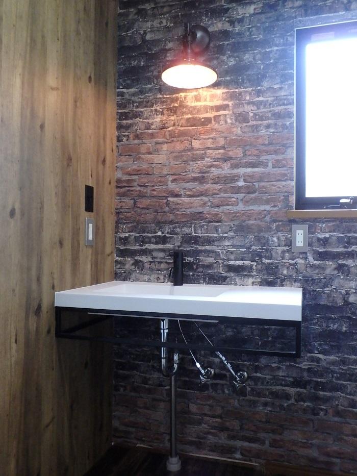 レンガ調クロス ジューテックホーム 洗面室
